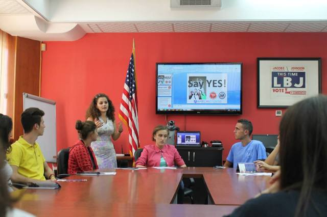 Alumni Coordinator for Albania, Olta Myslimi, gives a presentation about YES.