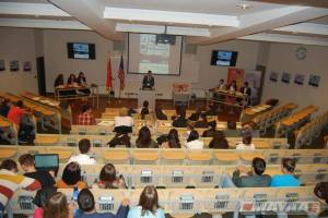 Students debating about NATO integration of Montenegro